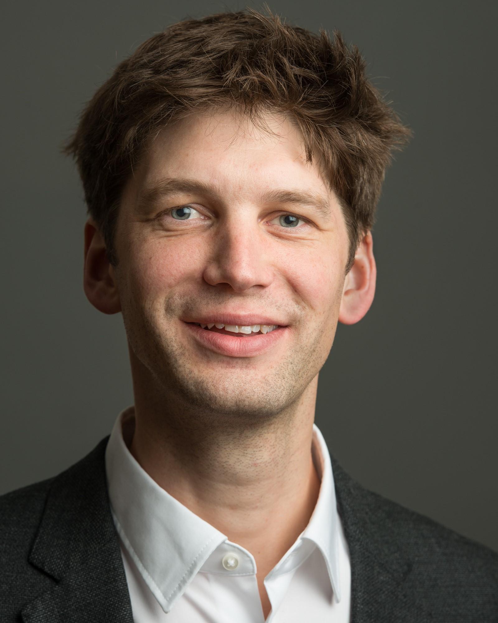Dr. des. David Loher